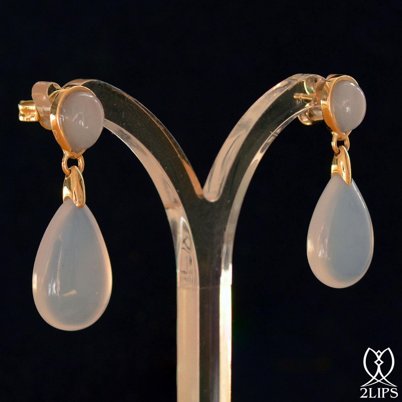 18k-goud-2lips-colours-oorbellen-blauwe-chalcedoon-designer-david-aardewerk-juwelierclick-to-edit