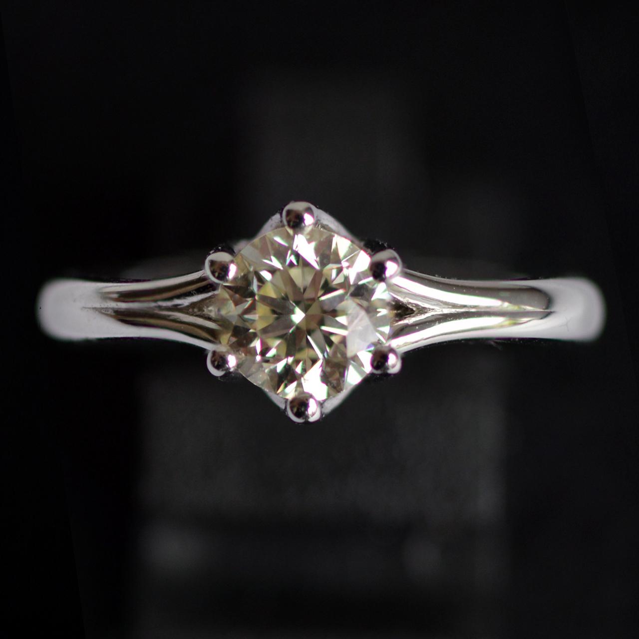 2lips-de-mooiste-verlovingsring-1-09-crt-vs1-solitair-diamant-designer-david-aardewerk-juwelier