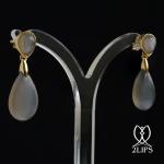 18k-geel-goud-2lips-colours-oorbellen-donker-grijze-maansteen-designer-david-aardewerk-juwelier