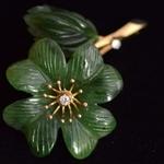 jade-diamant-broche-bloem
