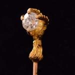 franse-antieke-goud-diamanten-dasspeld-in-de-vorm-van-een-vogel-klauw