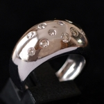 dome-ring-18k-wit-goud-diamant
