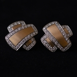 18k-goud-en-diamanten-kus-kruis-oorbellen